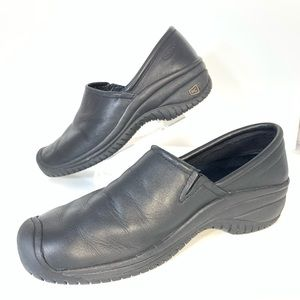 Keen Black Leather Slip On Shoes Sz 11